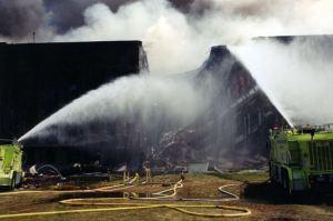 0013 1 300x199 - FBI revela novas fotografias do 11 de Setembro