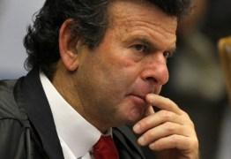 Ministro do STF suspende atividades da UVA em território paraibano
