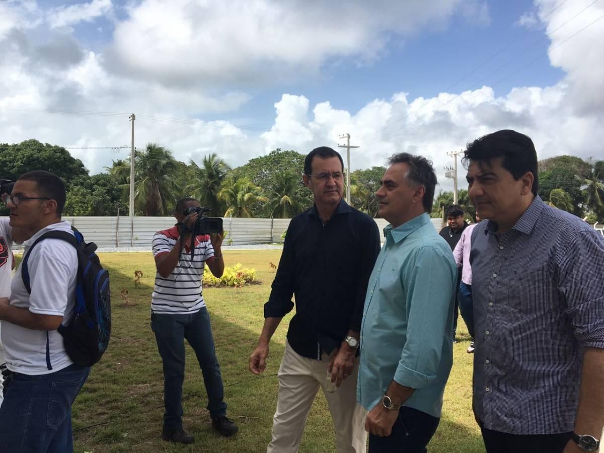 WhatsApp Image 2017 03 31 at 10.31.48 - VEJA VÍDEO: Cartaxo faz visita técnica ao Residencial Nice e descarta pré campanha