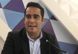 VEJA VÍDEO: Helton Renê critica descaso recebido por usuários de plano de saúde: 'O paciente merece ser tratado de forma igual'