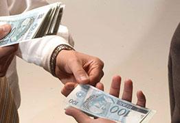 Delator diz que pagamentos em espécie eram feitos até em 'cabaré'