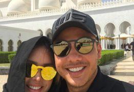 Wesley Safadão posta fotos da lua de mel com a esposa em Abu Dhabi