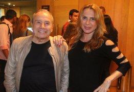 Vídeo: Stênio Garcia pede orações para esposa, Marilene Saade