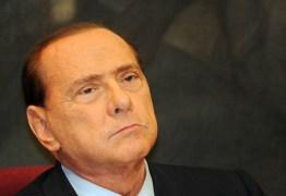 Silvio Berlusconi é hospitalizado na Itália após queda
