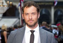 """Jude Law representará Dumbledore mais jovem na sequência de """"Animais Fantásticos"""""""