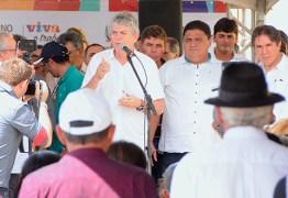 Ricardo inaugura estrada e autoriza licitação de adutora em Caraúbas
