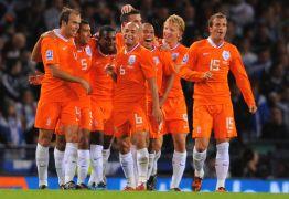 Após brilhar em 2014, Holanda precisa de milagre para ir à Copa russa