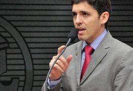 Tovar comenta sobre voltar à Casa para sabotar posse de Aníbal: 'Não sou massa de manobra'