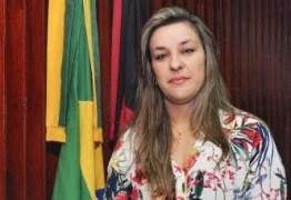 Deputada ameaça deixar PSDB e se diz incomodada com denúncias
