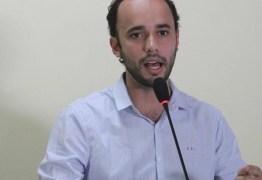 Em tempos de crise, prefeito de Bananeiras reajusta salário em R$ 15 mil