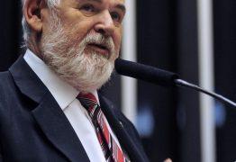 CCJ rejeita relatório contra Temer apesar do voto de Luiz Couto