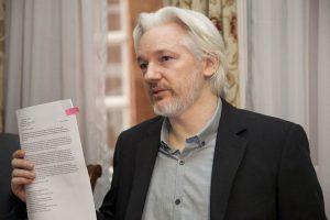 RUEDA DE PRENSA CONJUNTA ENTRE CANCILLER RICARDO PATIÑO Y JULIAN ASSANGE 300x200 - SUÉCIA: Arquivado processo contra fundador do WikiLeaks