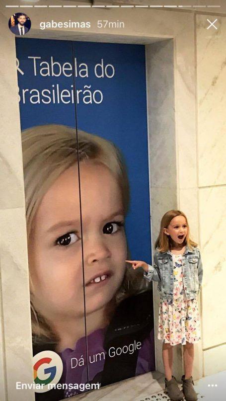 chloe GOOGLE - Chloe do meme está no Brasil e se encontrou com a Giovana do forninho