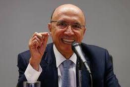 Crise pode atrasar reforma da Previdência, diz ministro