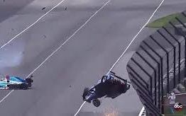 Em acidente assustador, piloto decola nas 500 Milhas de Indianápolis; veja vídeo