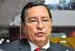 'No PT não cabe quem serve a dois partidos', diz Anísio Maia