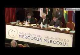 Jean Wyllys e Roberto Freire batem boca no Parlamento do Mercosul; ASSISTA
