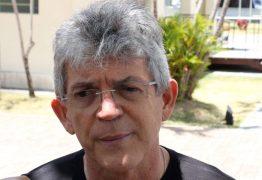 Ricardo bate o martelo e anuncia que ficará no governo até o último dia de mandato
