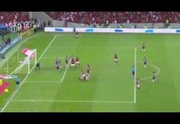 VEJA VÍDEO: Comemorou? Rivais ficam intrigados com gesto suspeito de árbitro após gol do Fla