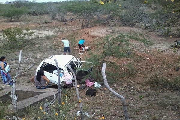 acidente remigio - Manifestantes fecham BR 104 para reivindicar redutor de velocidade