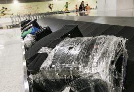 Passageiros duvidam que cobrança de mala em avião baixe preço de voos