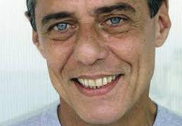 Chico Buarque completa 73 anos e é celebrado nas redes sociais
