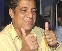 Zeca Pagodinho recebe alta de hospital após acidente no Rio