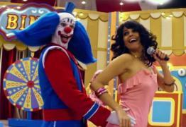 Emanuelle Araújo dá vida a Gretchen nos cinemas