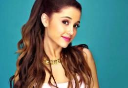 Manchester nomeia Ariana Grande cidadã de honra após atentado de maio