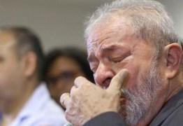 """VEJA VÍDEO:  Lula é hostilizado por solitário em ato que seria em sua defesa, """"Seu vagabundo e ladrão você merecia morrer"""""""