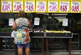 Brasil registra deflação pela primeira vez em 11 anos