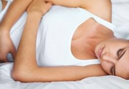 País discute licença menstruação para mulheres que têm cólicas
