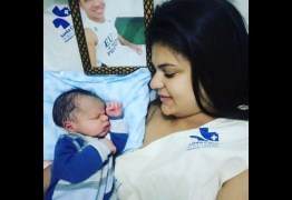 Nasce filho de atleta da Chape morto em tragédia; viúva se emociona