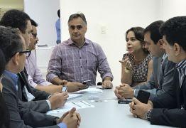 VEJA VÍDEO: Cartaxo lança 3 concursos públicos com 150 vagas e salários de até R$ 5 mil
