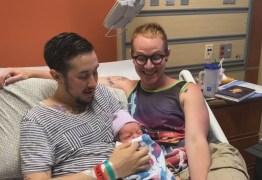 Transgênero e parceiro anunciam nascimento do 1º filho biológico