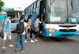 Transporte universitário beneficia centenas de estudantes de Santa Rita