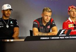 Vettel diz se arrepender de batida e Hamilton fala que acontecimento são águas passadas