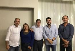 Em busca de apoio político Azevêdo se reúne com prefeitos