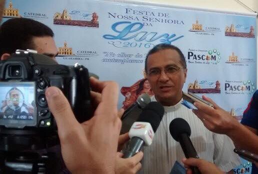 20706432 1532210246835136 550559910 n - Padre paraibano sobre deputados que votaram a favor de Temer: 'São bandidos iguais a Fernandinho Beira Mar'