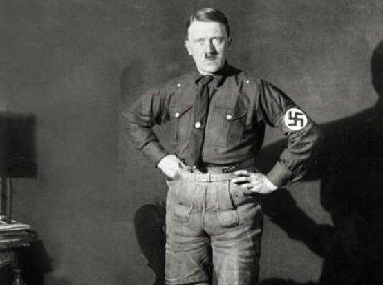 Hit - Relatório revela que Hitler teria micro pênis além de fetiches sexuais