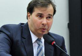Maia diz que se reunirá com presidente do STF para definir destino da PEC do Foro