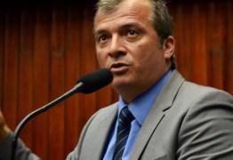 Trócolli acusa Estela de procrastinar votação de projeto que pode acabar com monopólio das carteiras