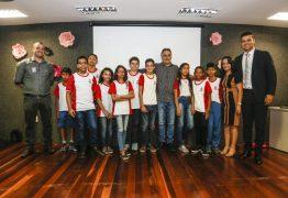 Cartaxo assina termo de parceria e alunos do município ganham bolsa em robótica