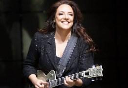 Ana Carolina proíbe fãs de transmitirem seu show pelas redes sociais