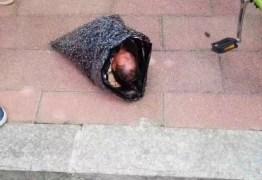 Mulher envia recém-nascido pelo correio a orfanato