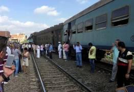 Trens colidem e deixam 36 mortos e 123 feridos