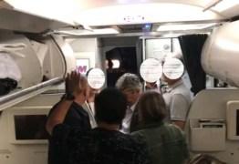 Voo de São Paulo para João Pessoa tem problemas devido a chuva e passageiros reclamam