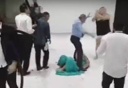 VEJA VÍDEO: Baile de formatura termina em pancadaria