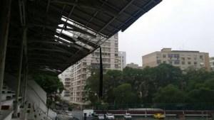 laranjeiras 3 300x169 - Ventania estraga telhado da sede do Fluminense