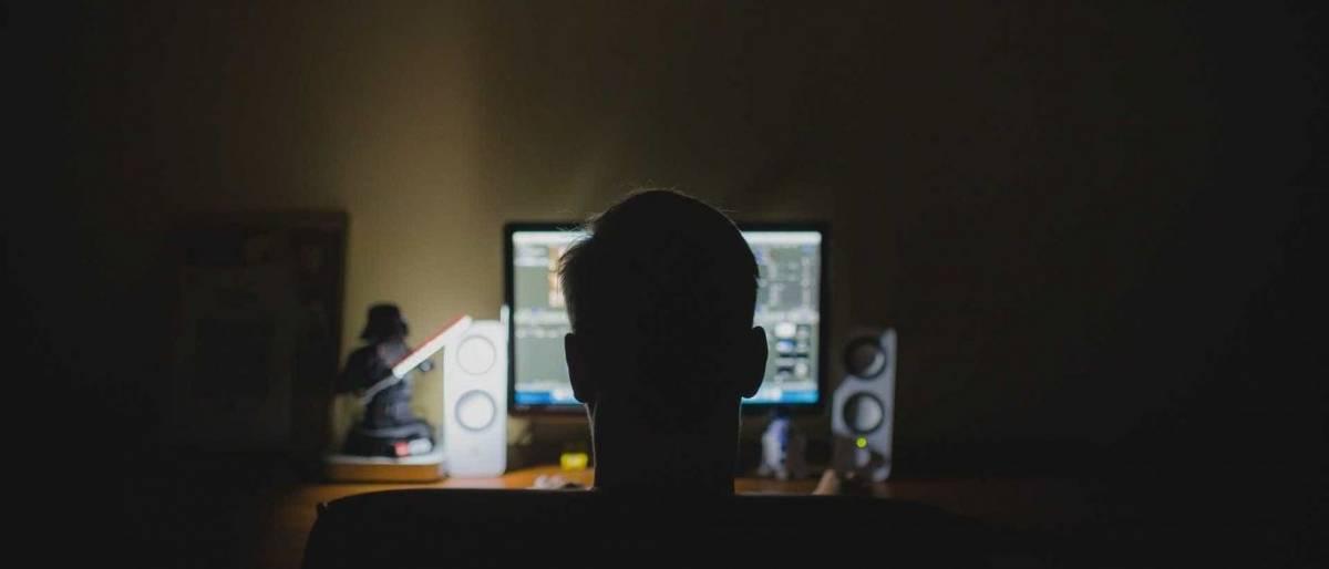 pedofilia estupro internet computador homem - 500 VÍTIMAS EM JP: Suspeito de pedofilia e pornografia infantil é preso pela Polícia Federal